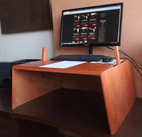 Emelhető asztal PC + papírmunkához, calvados színű nyírfa (extra nagy)