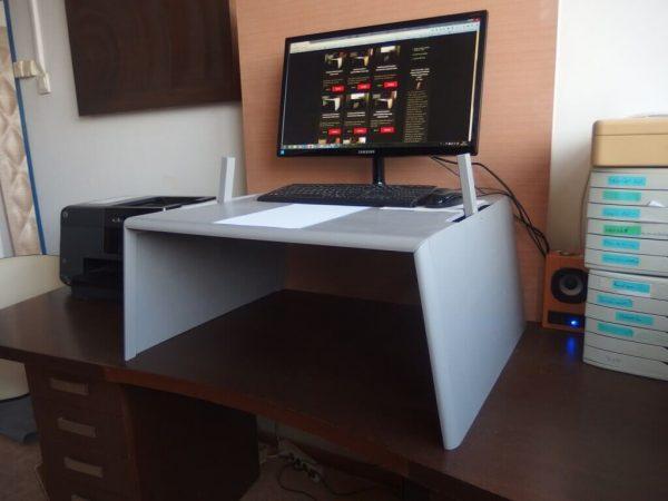 Egyedi emelhető PC + papírmunkához, szürke nyírfa (extra nagy) asztal