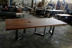 cubus_minimal_asztal_acel_üveg_lab_etkezoasztal_targyaloasztal_ebedloasztal_egyedi_asztal