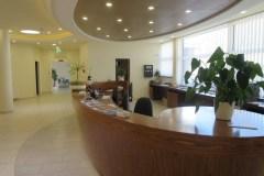 Recepciós pult egyedi nagyméretű recepciós asztal
