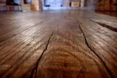 rusztikus-asztal-tömörfa-asztal-öreg-fa-asztal-pad-natur-fa-asztal-uszadékfa-gerenda-asztal-9.