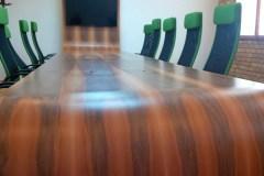 Tárgyaló asztal, 12 méter, hazai dió