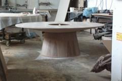 egyedi kör tárgyalóasztal