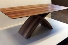 X lábú asztal: Természetes hazai dió egyedi nyitható étkezőasztalok webáruház