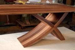 Zeg asztal: Természetes hazai dió egyedi nyitható ebédlő asztalok webáruház