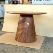 Kör asztal, hazai dió, kerek asztal, 110 cm átmérő