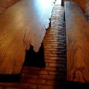 rusztikus-asztal-tömörfa-asztal-öreg-fa-asztal-pad-natur-fa-asztal-uszadékfa-gerenda-asztal-4.jpg50