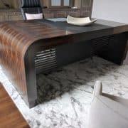 emelhető íróasztal egyedi íróasztal motoros emelhető íróasztal tárgyalóasztal vezetői asztal irodabútor