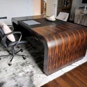 Egyedi motoros emelhető íróasztal, emelhető tárgyalóasztal, vezetői asztal irodabútor.